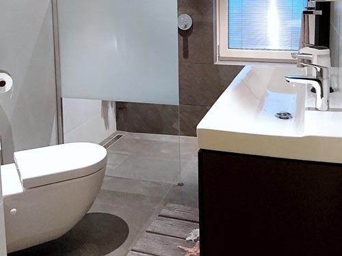 Kleine luxueuze badkamer Den Bosch   Den Bosch